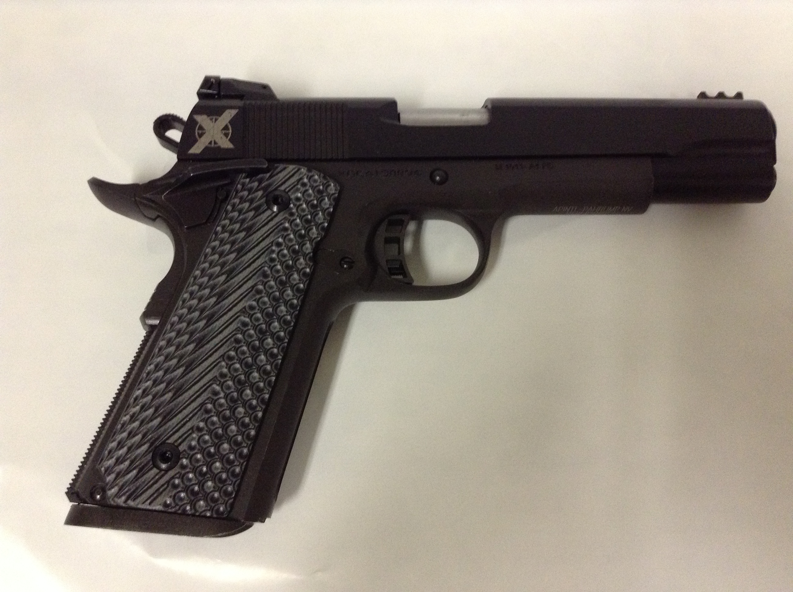 Xtreme Gun 1911 9mm with VZ grips